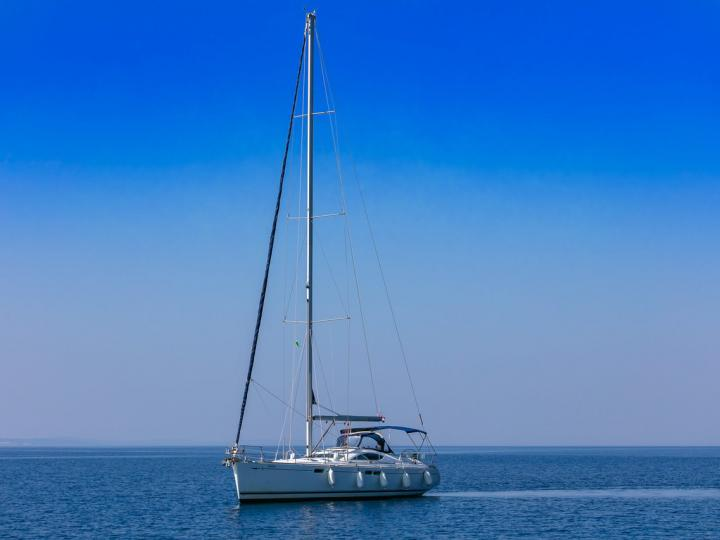 Sail boat boat for rent in Split, Croatia for up to 8 guests - the Lučica sail boat.