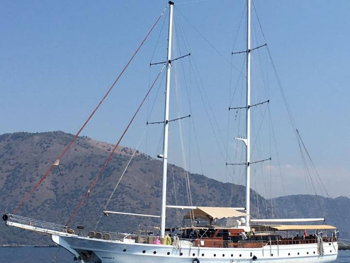 Rent a boat in Fethiye, Turkey and discover boating on a power boat.