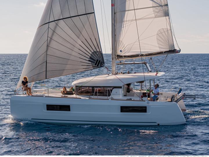 Brand new catamaran for rent - discover Tortola, BVI and the amazing Caribbean Sea.
