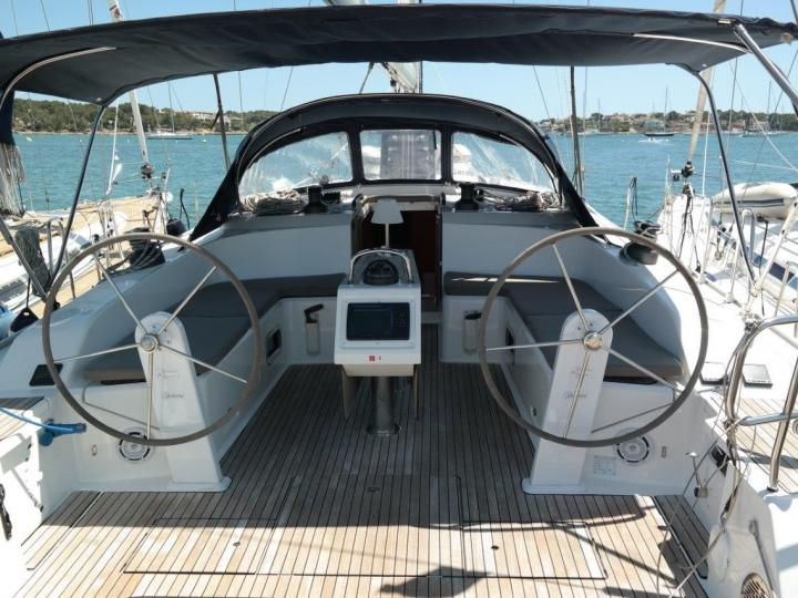 Yacht charter in Portocolom, Spain - sailboat for up to 10 guests.