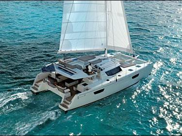 A great boat for rent - discover all St. Maarten, Caribbean Netherlands can offer aboard a Catamaran.